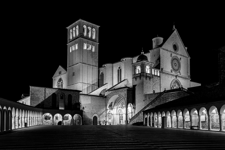 basilica-di-san-francesco-in-bianco-e-nero-art