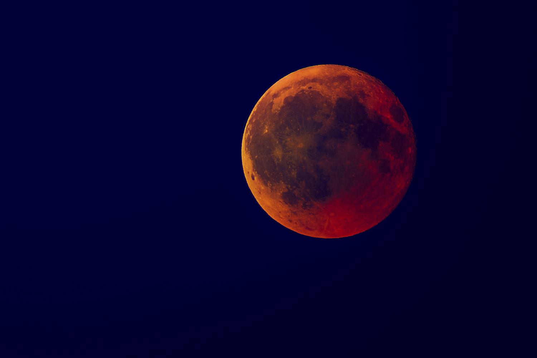 eclissi-di-luna-rosssa-2018-art