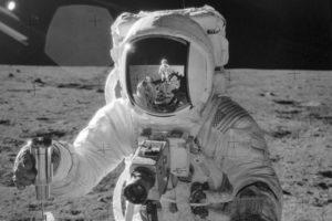 I segreti delle prime foto sulla Luna